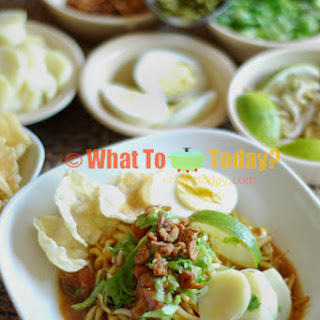 INDONESIAN BOILED NOODLES WITH GRAVY / MEE REBUS / E MIE