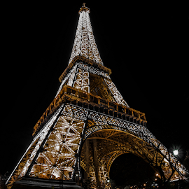 eiffel tower by Bruce Thionville - Buildings & Architecture Statues & Monuments ( eiffel tower, long exposure )