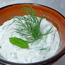 Fresh Yogurt Sauce for Grilled Meat