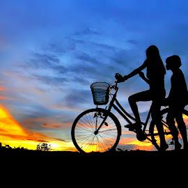 gadis desa by Wartono Kumpulono - Transportation Bicycles