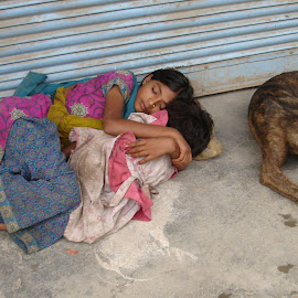 Sleep With Faithful Friend by Maharajkar Isher - People Street & Candids ( children, girls. )