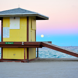 Harvest Moon Hollywood Beach, FL by Oliver Page - Travel Locations Air Travel ( beach hut, vacation, florida, ocean, beach )