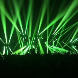 Light show by Matthew Kraus - Instagram & Mobile iPhone ( music, lights, edm, dj, laser, crowd )