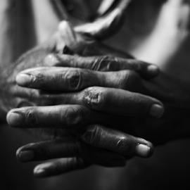 Hands by Suman Sengupta - People Body Parts ( hand, old, monochrome, fingers, rawshooter, motionstopper, age, d7000, nikon, sumansengupta )