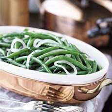 Green Beans with Mint Vinaigrette and Pickled Onion