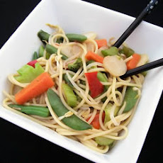 Vegetable Lo Mein Delight