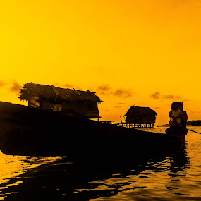 Golden sunrise by Zahir Mohd - Landscapes Sunsets & Sunrises