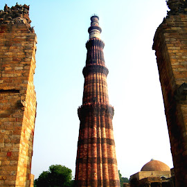 The Qutub Minar by Mrinmoy Ghosh - Buildings & Architecture Statues & Monuments (  )