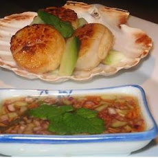 Simple Scallops With Dipping Sauce