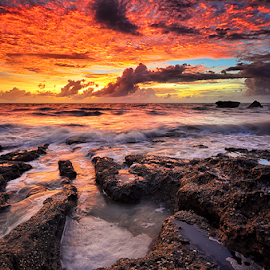 The Sun is Setting by Hendri Suhandi - Landscapes Waterscapes ( bali, sunset, beach )