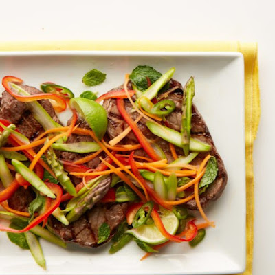 Vietnamese Steak and Asparagus Salad