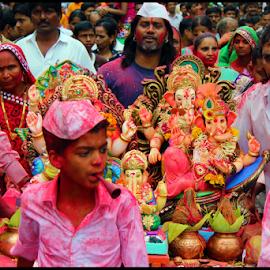 Ganesh Visarjan by Mihir Shah - News & Events World Events ( ganpati visarjan, crowd, people, religious, ganesha )