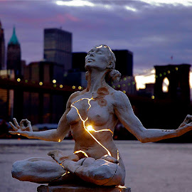 Expansion by Tyrell Heaton - Buildings & Architecture Statues & Monuments ( statue, expansion, nyc, usa, yoga,  )