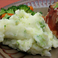 Xtreme Green Cheesy Mashed Potatoes
