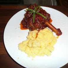Lamb Shanks with Rich Red Wine and Tomato Sauce