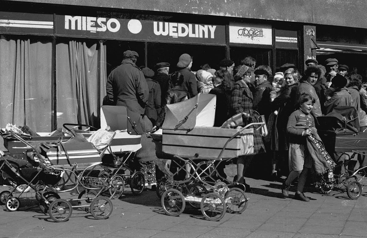 Queues in front of grocery shops were normal in the Soviet Union