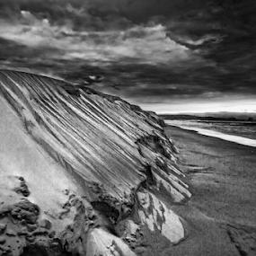 Dunes and seashore by Cristobal Garciaferro Rubio - Black & White Landscapes