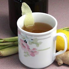Spicy Ginger Tea with Lemongrass