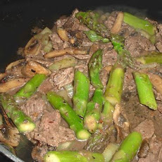 Black Pepper Beef and Asparagus Stir Fry