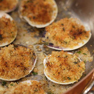 Baked Clams with Italian-Style Breadcrumbs and Horseradish