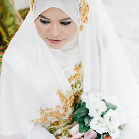 Waiting the moment by Muhammad Nal Rashid - Wedding Bride ( #portraits, #bride, #wedding, women, #malayweddings )