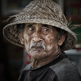 a little hope in mind by Bigg Shangkhala - People Portraits of Men ( farm, balinese, face, bali, farmer, men, portrait, hope )
