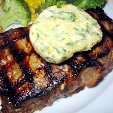 Tenderloin with Spicy Gorgonzola-Pine Nut-Herb Butter
