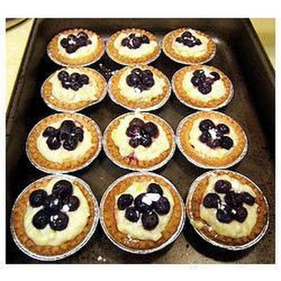 Creamy Mango and Blueberry Fruit Tart