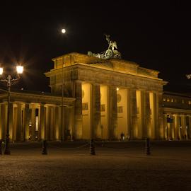 Brandenburger Tor by Steven Van Poucke - Buildings & Architecture Statues & Monuments ( deutschland, brandenburg gate, monument, germany, berlin, brandenburger tor )