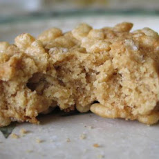 Crunchy Peanut Cookies (With Rice Krispies Coating!)