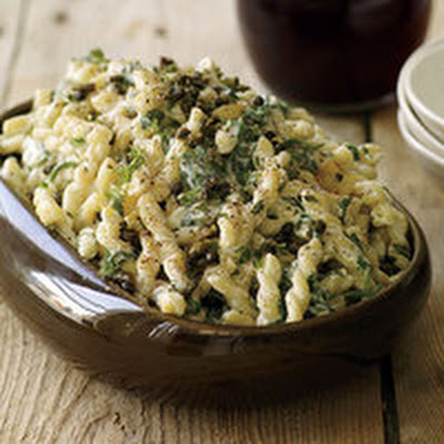 Creamy Pasta with Spinach and Fried Capers