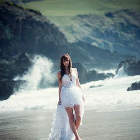 bride by Konrad Świtlicki-Paprocki - Wedding Bride