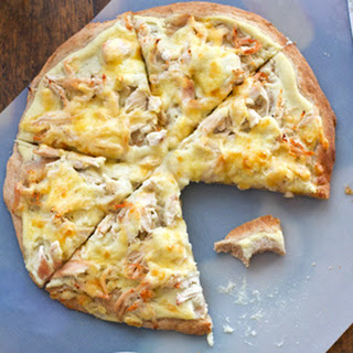 Healthy Chicken Alfredo Pizza