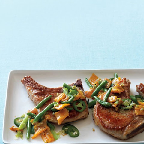 Pork Chops with Peppers and Green Beans