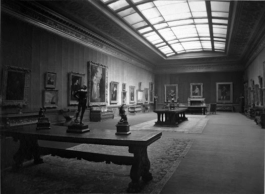The three Vermeer paintings were hung in close proximity to one another along the same wall of the West Gallery.