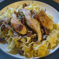 Chicken with Pecan Cream and Mushrooms