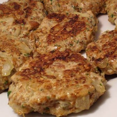 Chicken Pecan Bulgur Burgers