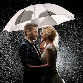 by Tatar Danil - Wedding Bride & Groom