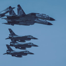 The Sikhois in action  by Fuad Arief - News & Events Technology ( anniversary, armed force, sukhoi, air force, indonesia, surabaya )