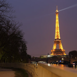 Eiffel from the Seine Bank by Yusuf Nurrachman - Buildings & Architecture Statues & Monuments ( paris, tower, lighting, eiffek, night, france, light, river,  )