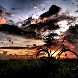 Ke Peraduan by Lucas Setyaputra - Transportation Boats ( sepeda, gowes, ontel, onthel, golden hour, sunset, sunrise,  )