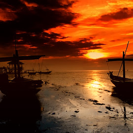 Still Sunset by Sam Hidayat - Instagram & Mobile Android
