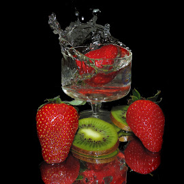 kiwi and strawberry by LADOCKi Elvira - Food & Drink Fruits & Vegetables