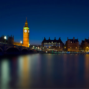 London by Jime Fernandez - City,  Street & Park  Night ( lights, london, night, bridge, big ben )