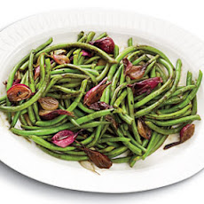 Balsamic-Glazed Green Beans and Pearl Onions
