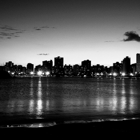 Vitória in black white by Francisco Andrade - City,  Street & Park  Street Scenes ( anoitecer, praia, black white )
