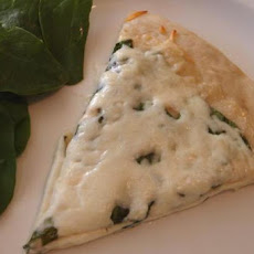 The Best Spinach Alfredo Pizza Ever