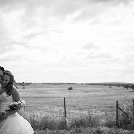 Plain Love by João Barnabé - Wedding Bride & Groom ( wedding; alentejo; bride and groom )