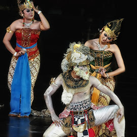 ramayana #o14 by Tt Sherman - News & Events Entertainment ( yogyakarta, ramayana, ballet, dance, prambanan )
