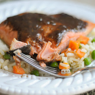 10-Minute Broiled Balsamic Herb Salmon